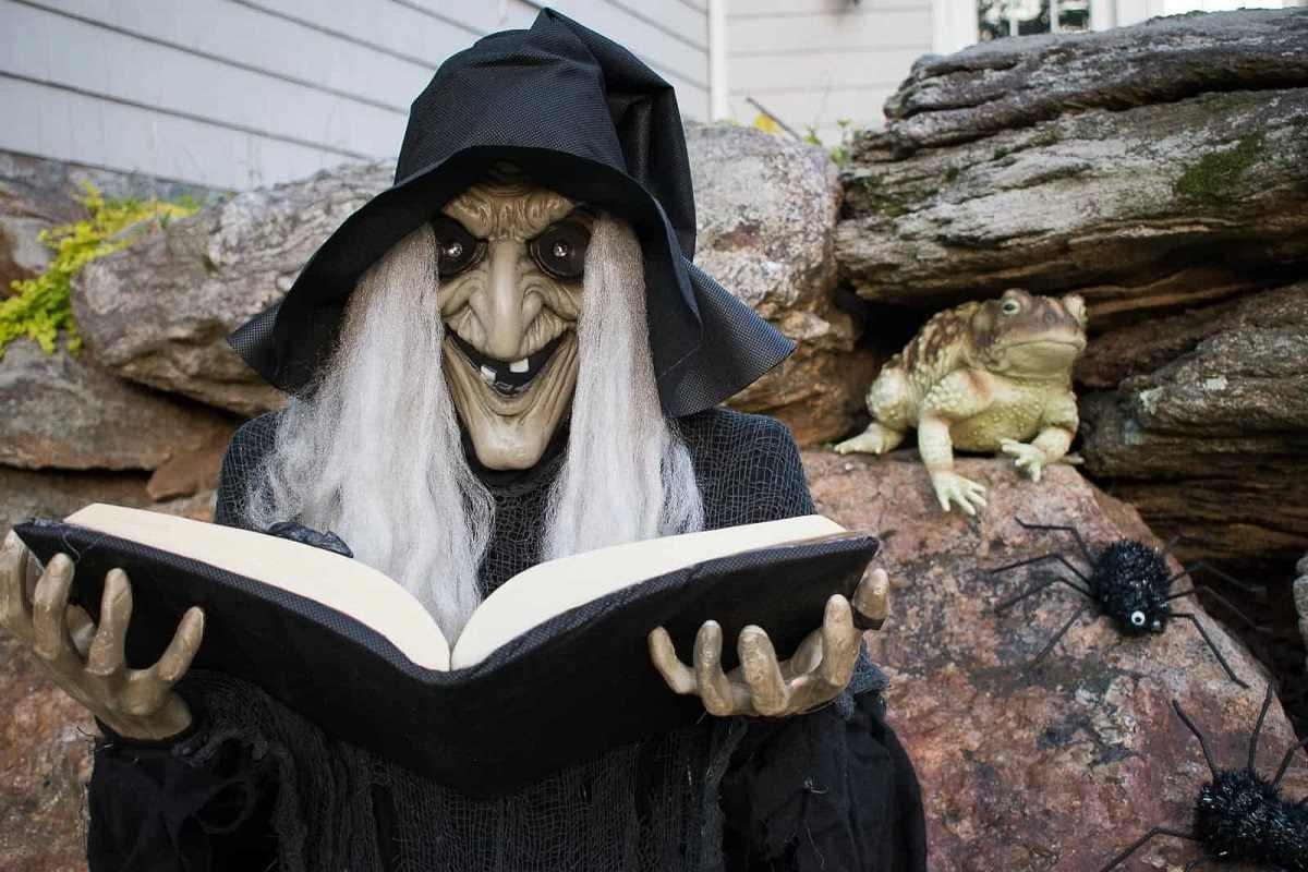 Dekoračná čarodejnica