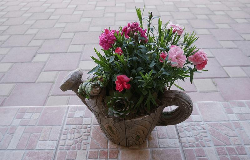 Kvetináč v tvare kupky